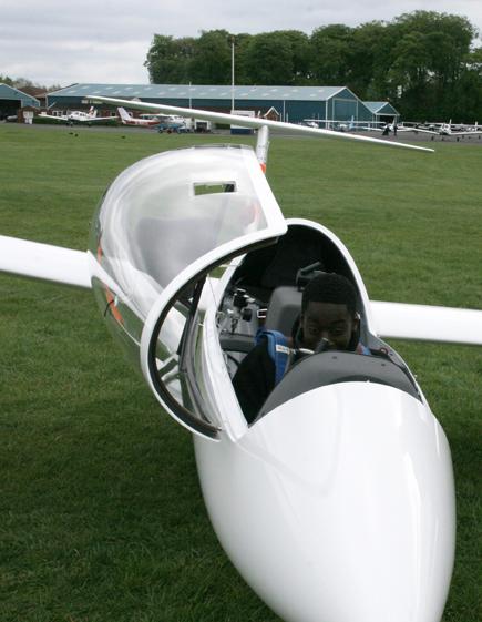 Denzel 4 Gliding 11May13 72dpi